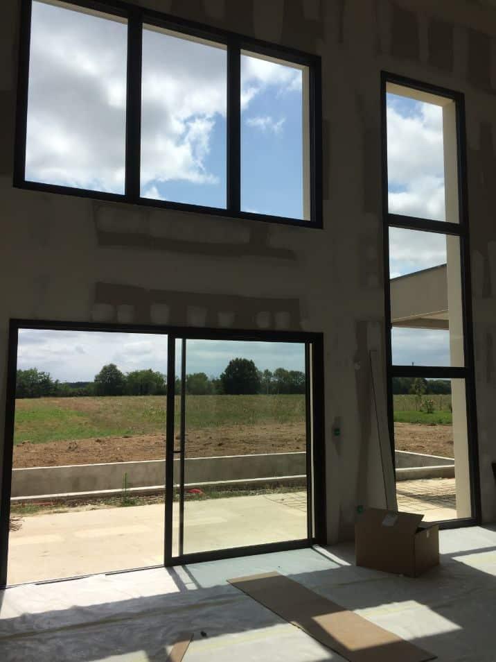 Nettoyage des vitres et encadrements d'une villa située sur la commune de Léguevin, DNA Propreté & Services