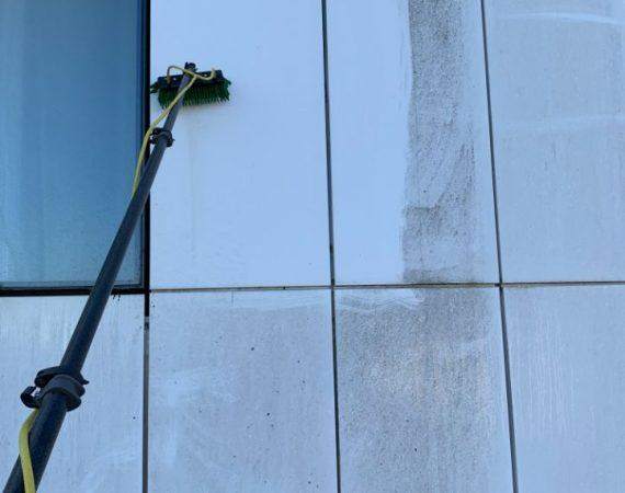 nettoyage mur et vitre hotel toulouse